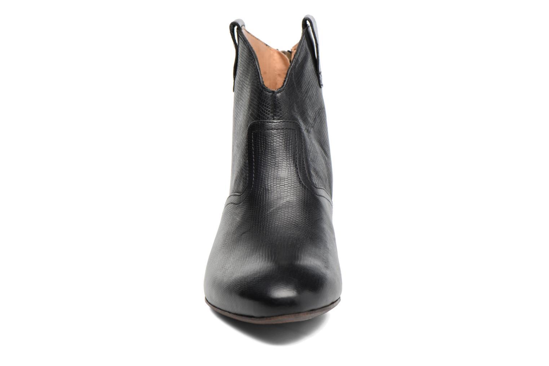 Bottines et boots Kickers Western Noir vue portées chaussures