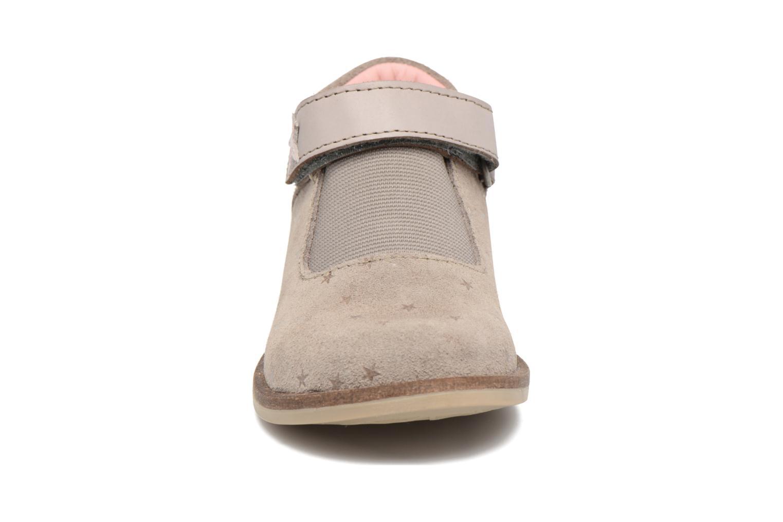 Chaussures à scratch Kickers Moly Beige vue portées chaussures