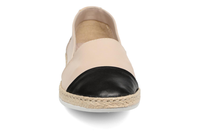 Ballerines Coco et abricot Cadence Beige vue portées chaussures