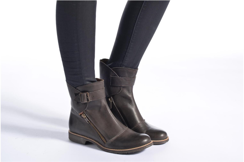 Bottines et boots TBS Melani Marron vue bas / vue portée sac