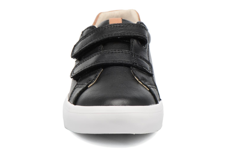 Baskets Clarks Brill Rap Noir vue portées chaussures