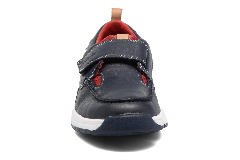 Baskets Clarks Tri Racer Jnr Bleu vue portées chaussures