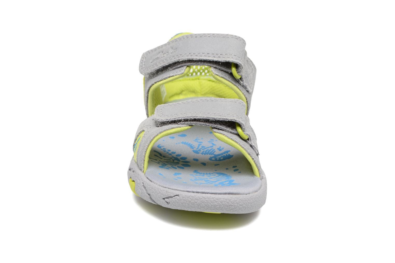 Sandales et nu-pieds Clarks TyranoWalk Inf Gris vue portées chaussures