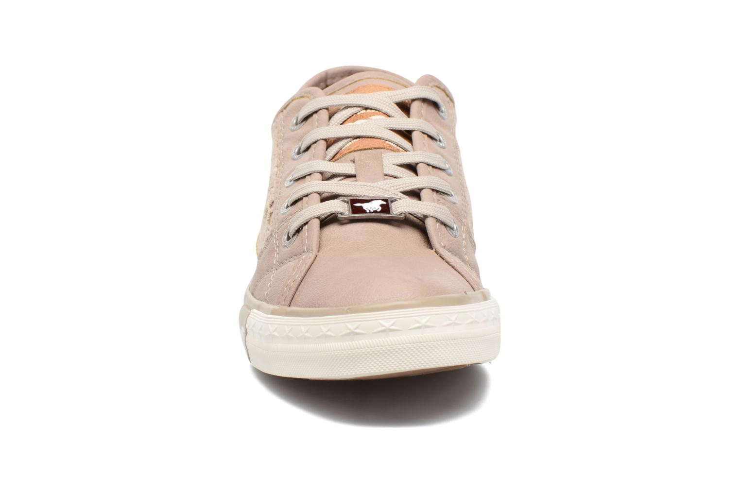 Baskets Mustang shoes Smith N Beige vue portées chaussures