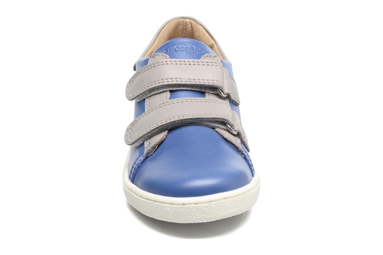 Baskets Shoo Pom Duck Scratch Bleu vue portées chaussures