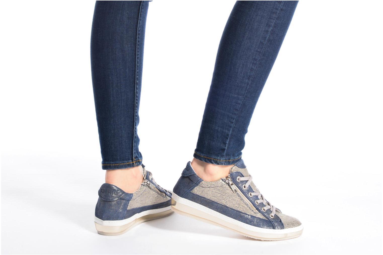 Sneaker Khrio Giulia blau ansicht von unten / tasche getragen