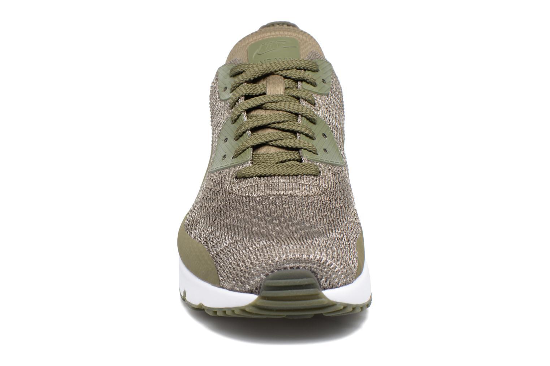 Baskets Nike Air Max 90 Ultra 2.0 Flyknit Vert vue portées chaussures