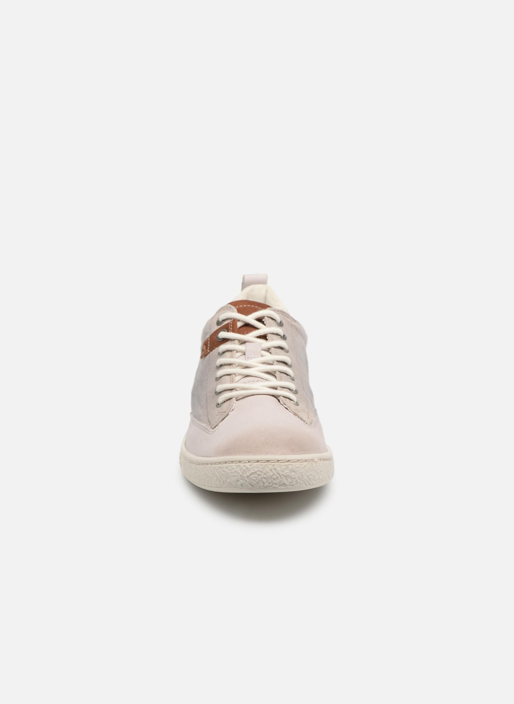 Sneakers Kickers Santa Fe Vit bild av skorna på