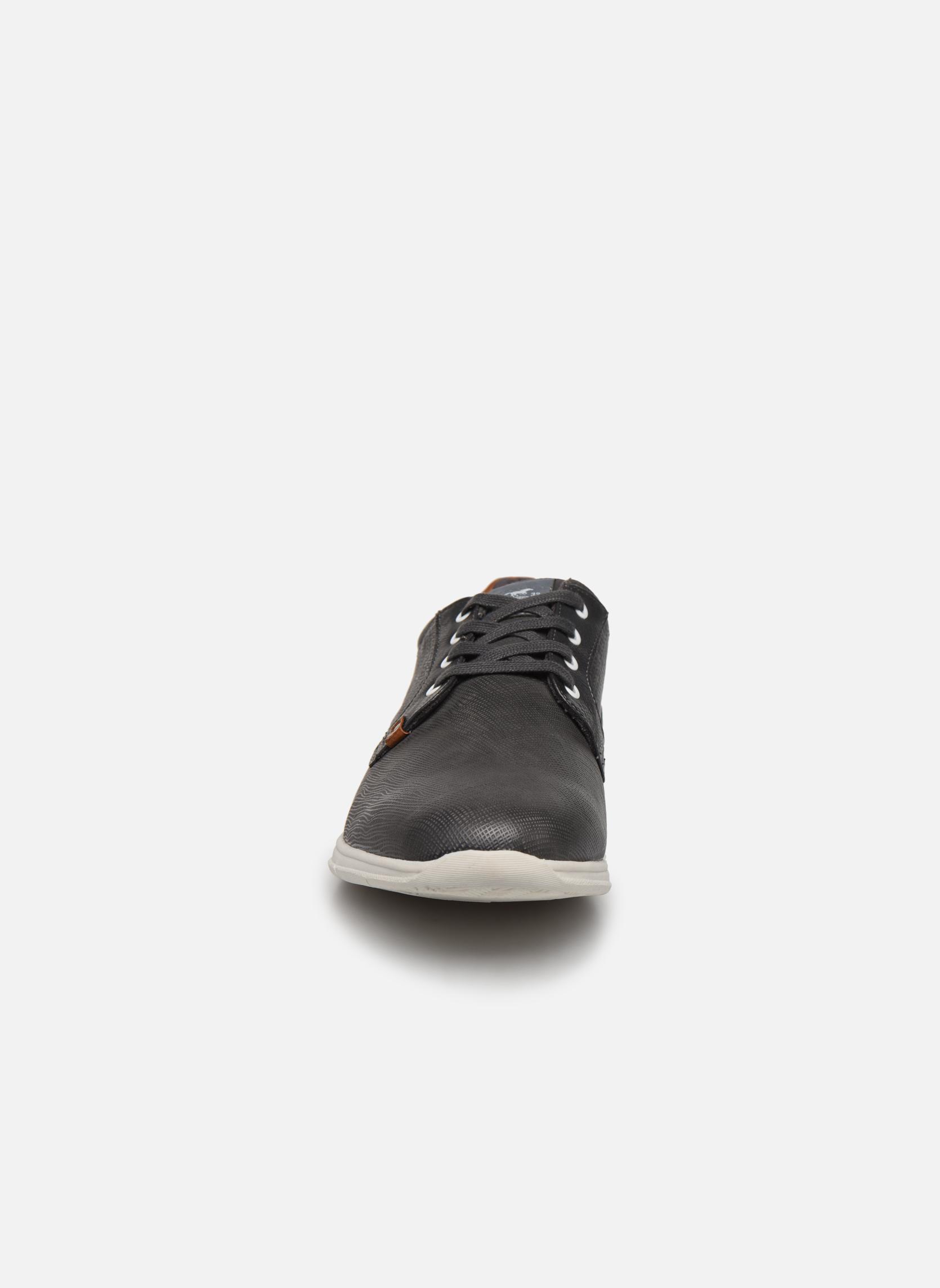 Baskets Mustang shoes Gregor Gris vue portées chaussures