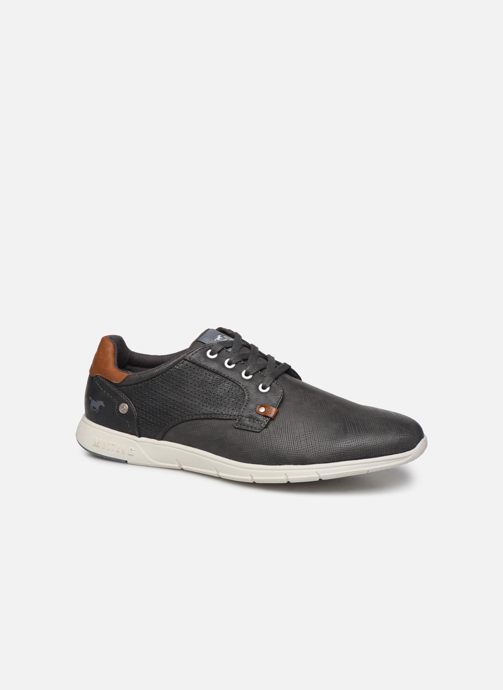 Baskets Mustang shoes Gregor Gris vue détail/paire