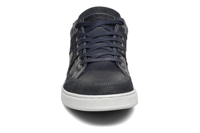 Sneakers Mustang shoes Bruder Azzurro modello indossato