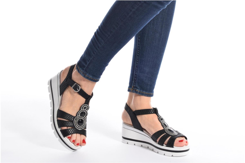 Sandales et nu-pieds Remonte Maya D1550 Noir vue bas / vue portée sac