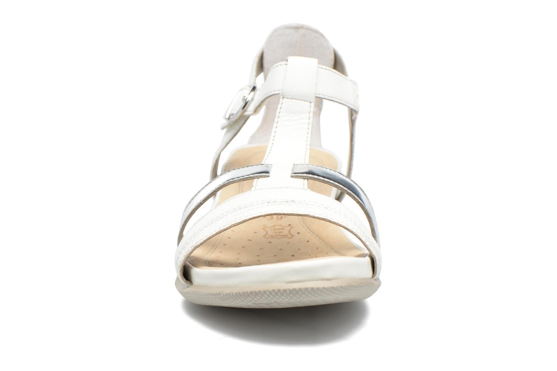 Sandales et nu-pieds Remonte Rena R7451 Blanc vue portées chaussures