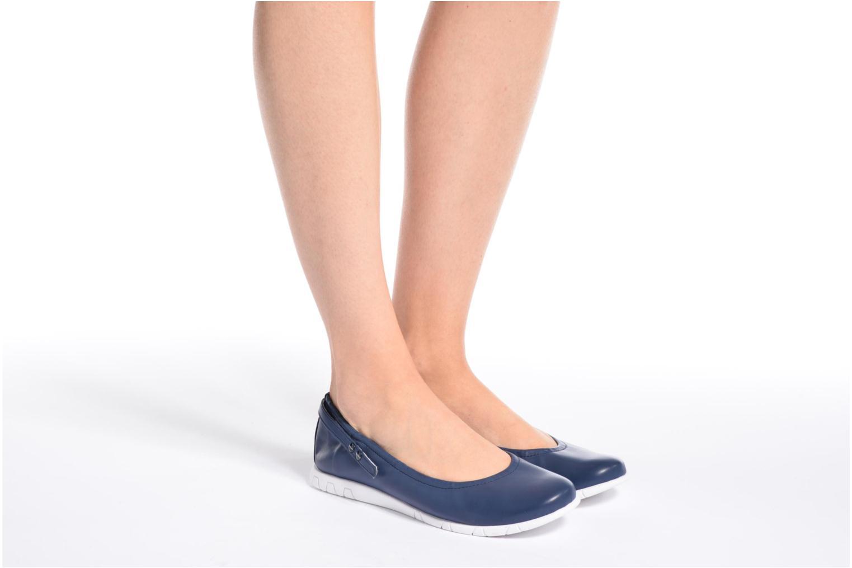 Ballerinas Kickers Belina blau ansicht von unten / tasche getragen