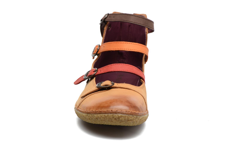 Ballerines Kickers Honoree Marron vue portées chaussures