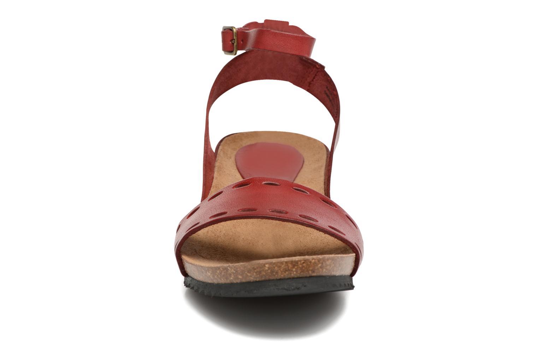 Sandales et nu-pieds Kickers Tokrom Rouge vue portées chaussures
