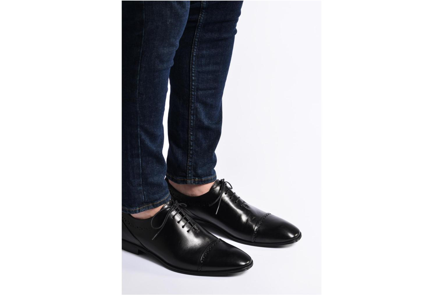 Lace-up shoes Marvin&co Tarbert Black view from underneath / model view