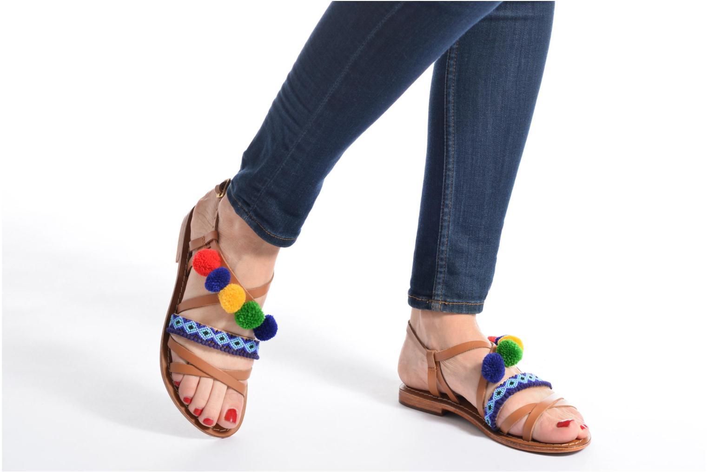 Sandalen L'Atelier Tropézien Popo braun ansicht von unten / tasche getragen