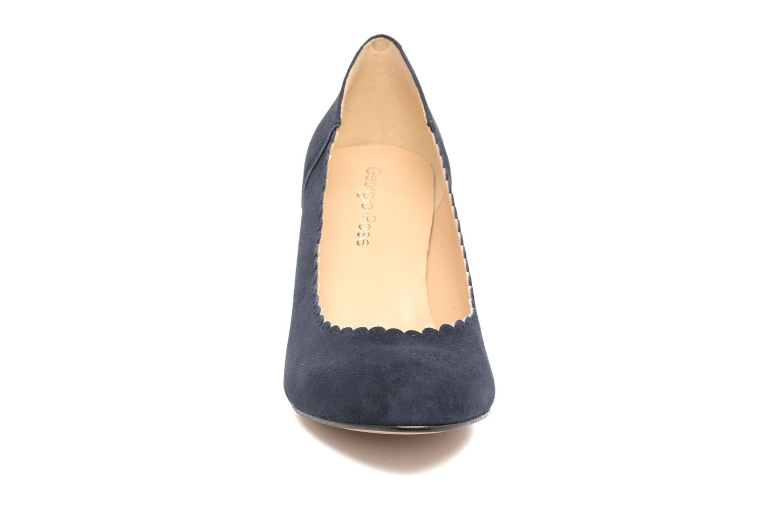 Pumps Georgia Rose Saston blau schuhe getragen
