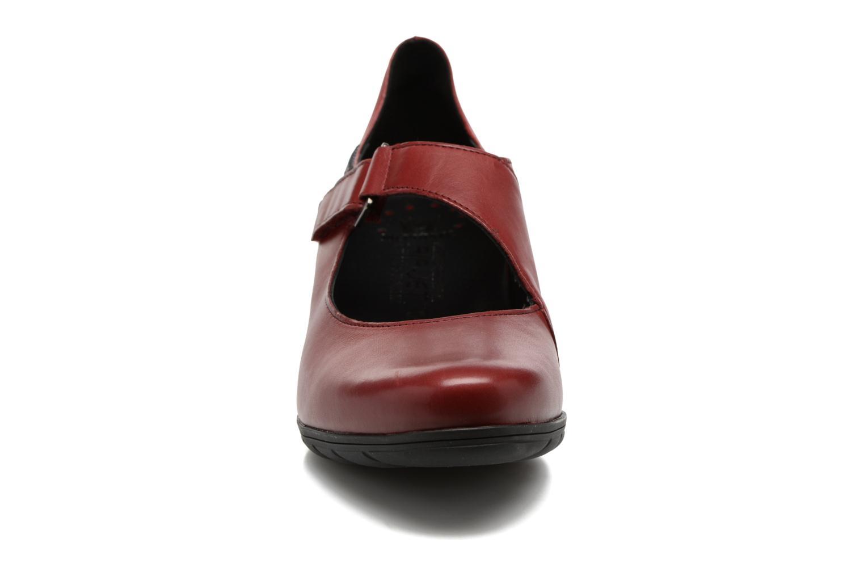 Zapatos de tacón Mephisto Ielena Rojo vista del modelo
