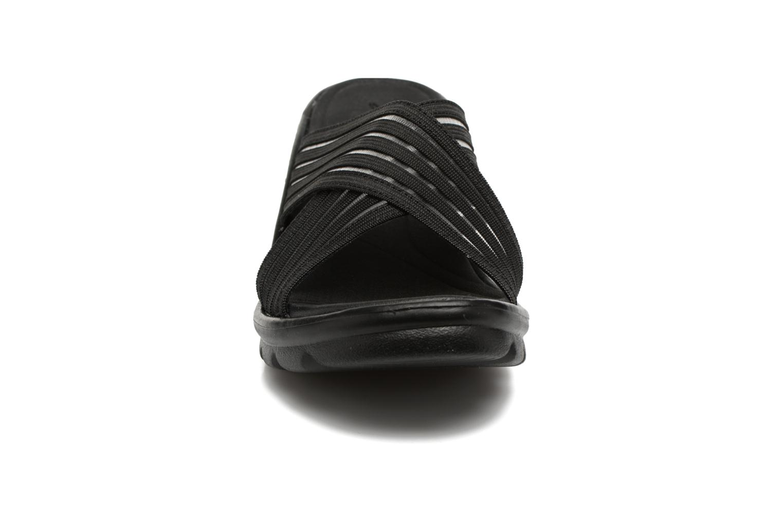 Mules et sabots Skechers Promenade Noir vue portées chaussures