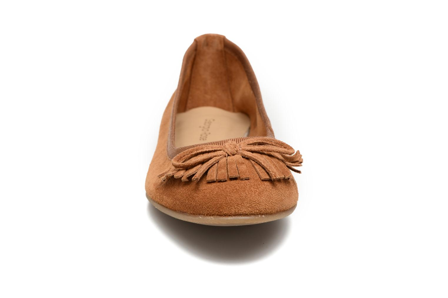Ballet pumps Georgia Rose Lafrange Brown model view
