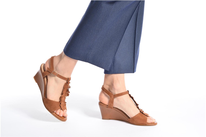 Sandalen Georgia Rose Lilifrange braun ansicht von unten / tasche getragen