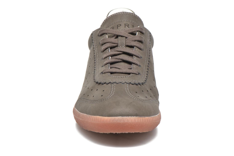 Baskets Esprit Trainee Lace Up Marron vue portées chaussures