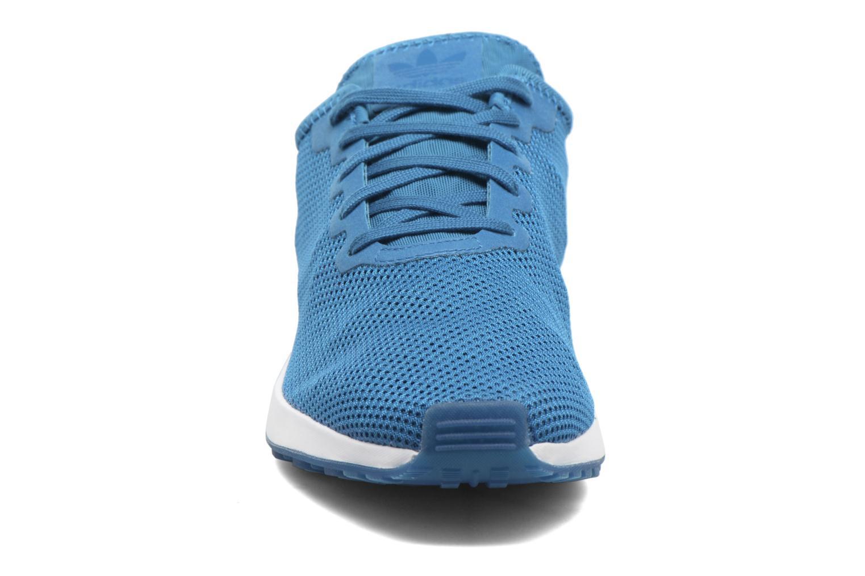 Baskets Adidas Originals Zx Flux Adv Sl Bleu vue portées chaussures