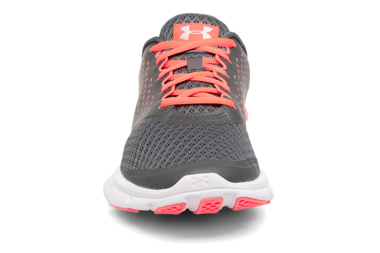 Chaussures de sport Under Armour Micro G Speed Swift 2 W Gris vue portées chaussures