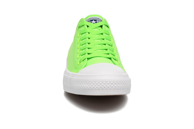 Baskets Converse Chuck Taylor All Star II Ox Neon M Vert vue portées chaussures