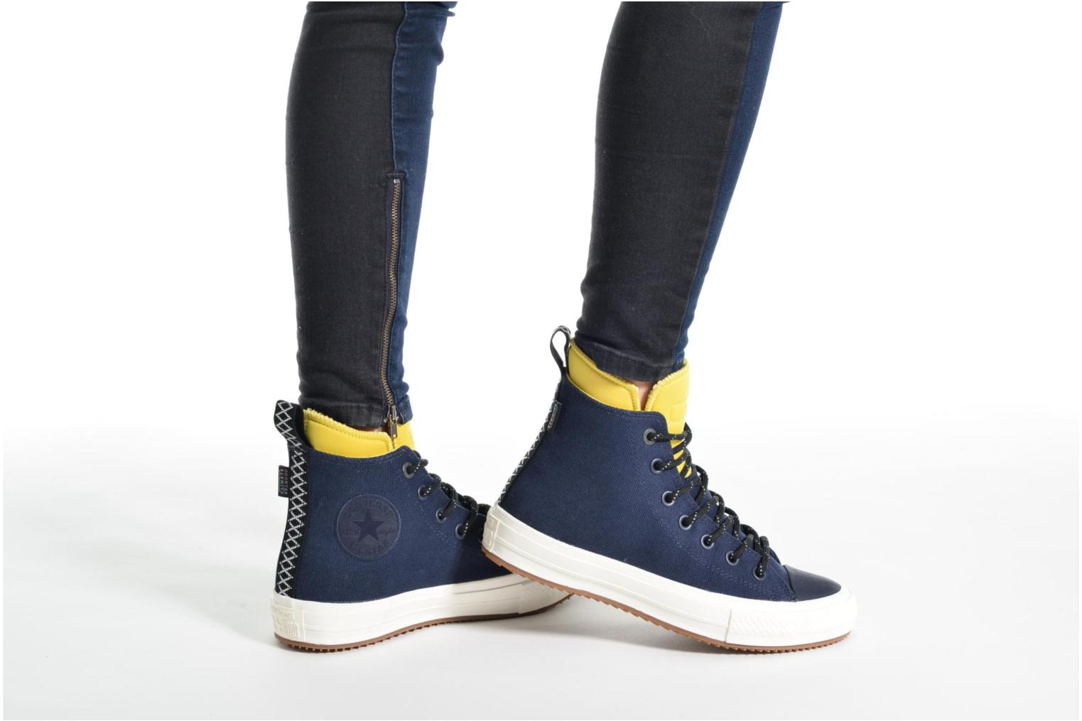 Baskets Converse Chuck Taylor All Star II Hi Shield Canvas Boot W Bleu vue bas / vue portée sac