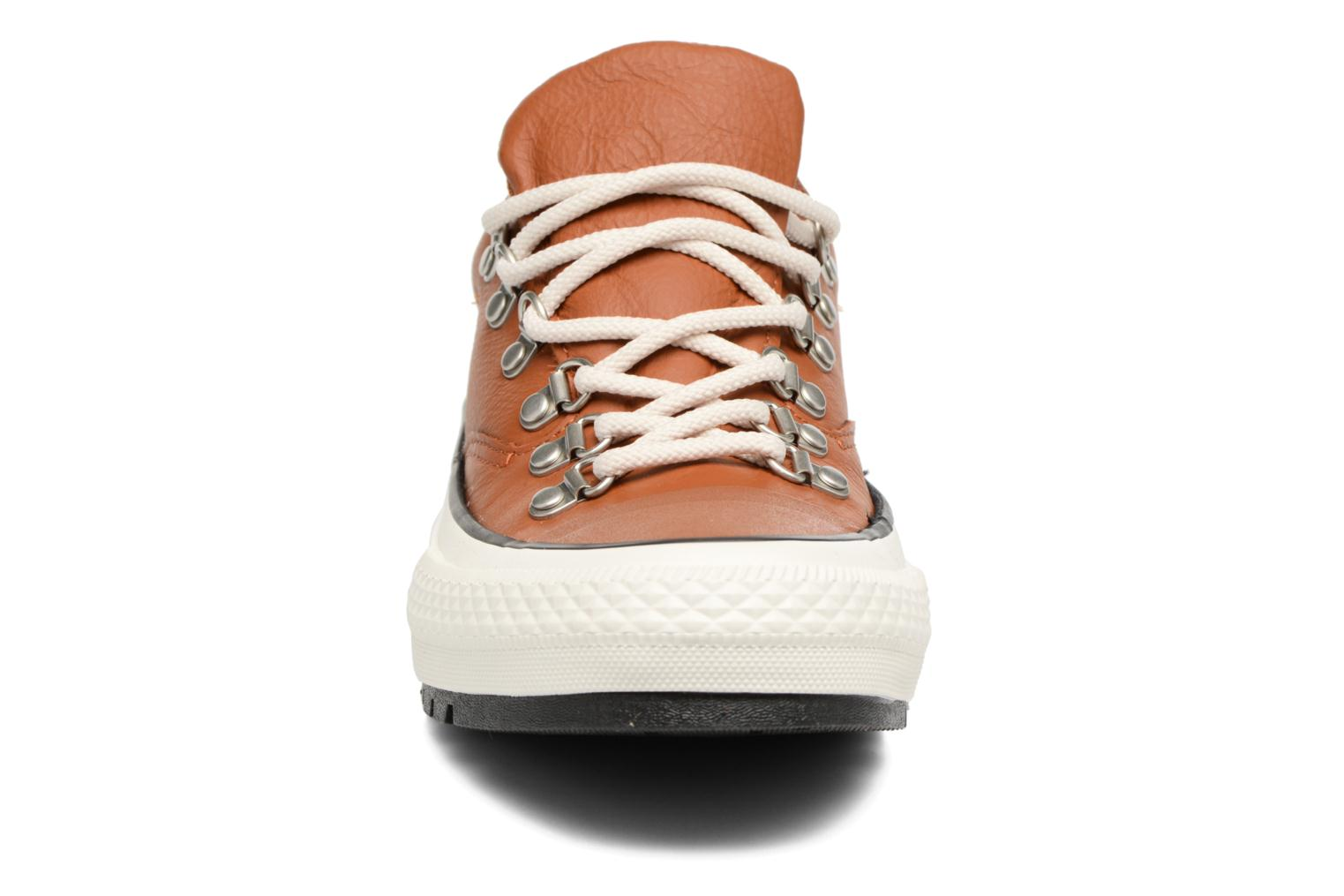 Baskets Converse Chuck Taylor All Star Descent Quilted Leather Ox W Marron vue portées chaussures