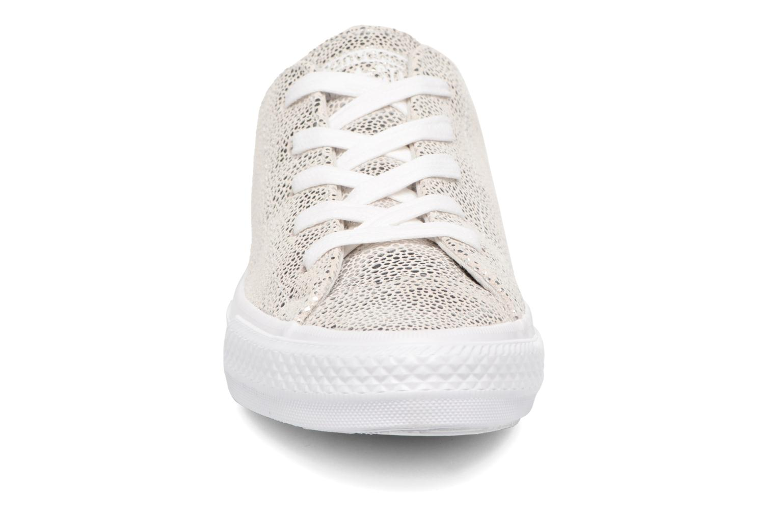 Baskets Converse Chuck Taylor All Star Gemma Ox Sting Ray Leather Argent vue portées chaussures