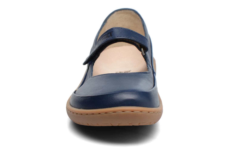 Ballerines Birkenstock Iona Bleu vue portées chaussures