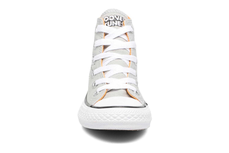 Sneaker Converse Chuck Taylor All Star Hi Bugs grau schuhe getragen