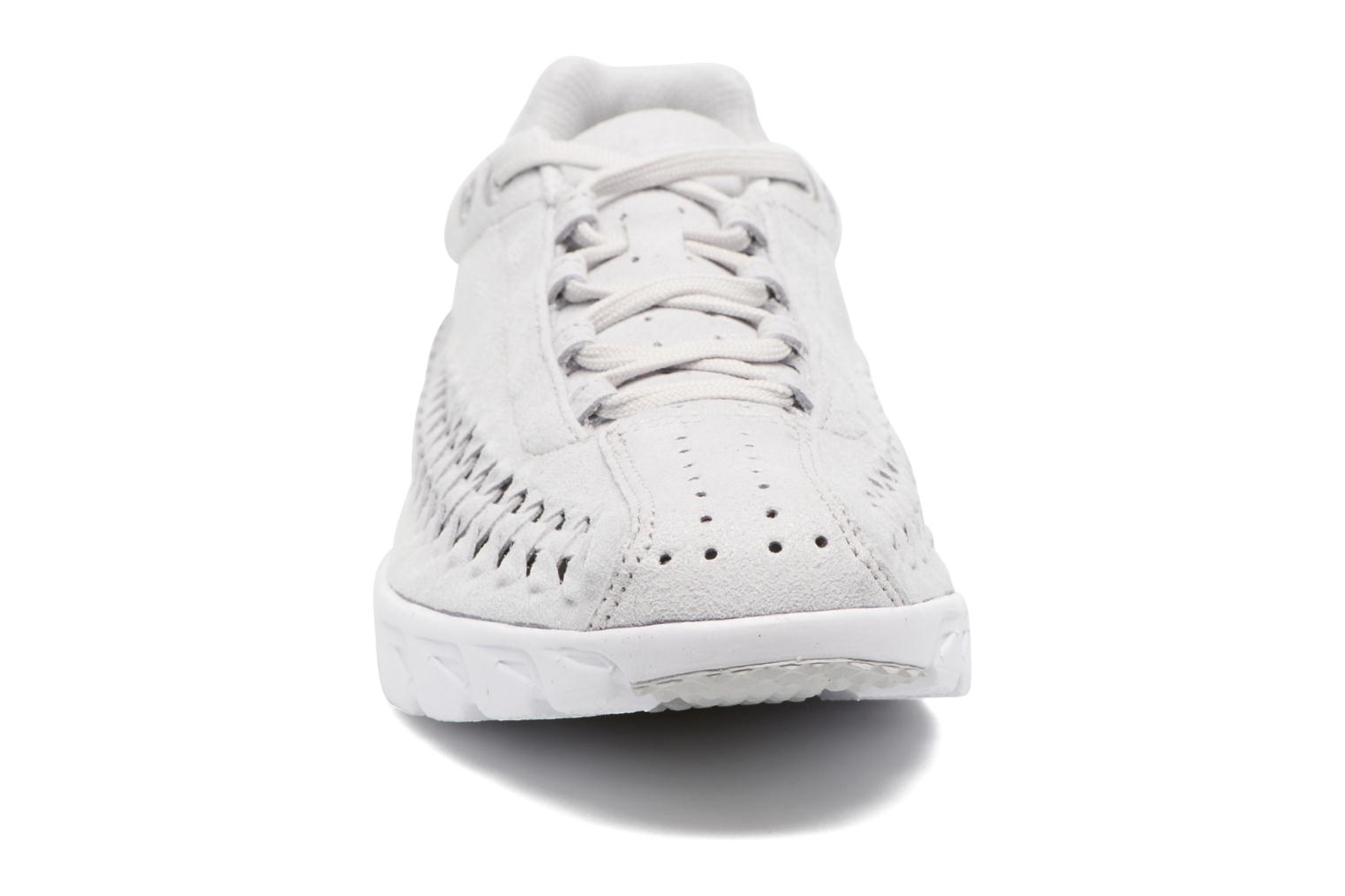 Baskets Nike Nike Mayfly Woven Gris vue portées chaussures