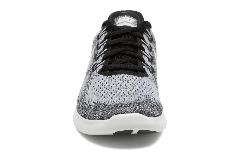Chaussures de sport Nike Wmns Nike Free Rn 2017 Gris vue portées chaussures