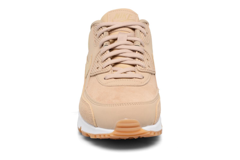 Baskets Nike Wmns Air Max 90 Se Beige vue portées chaussures