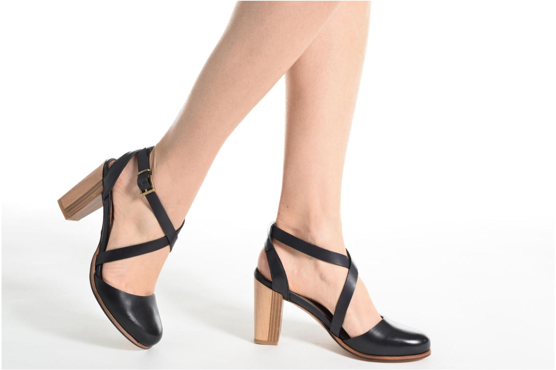 Sandales et nu-pieds Neosens Gloria S195 Noir vue bas / vue portée sac