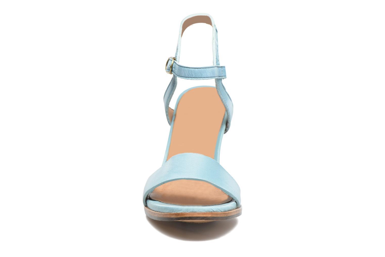 Sandales et nu-pieds Neosens Altesse S466 Bleu vue portées chaussures