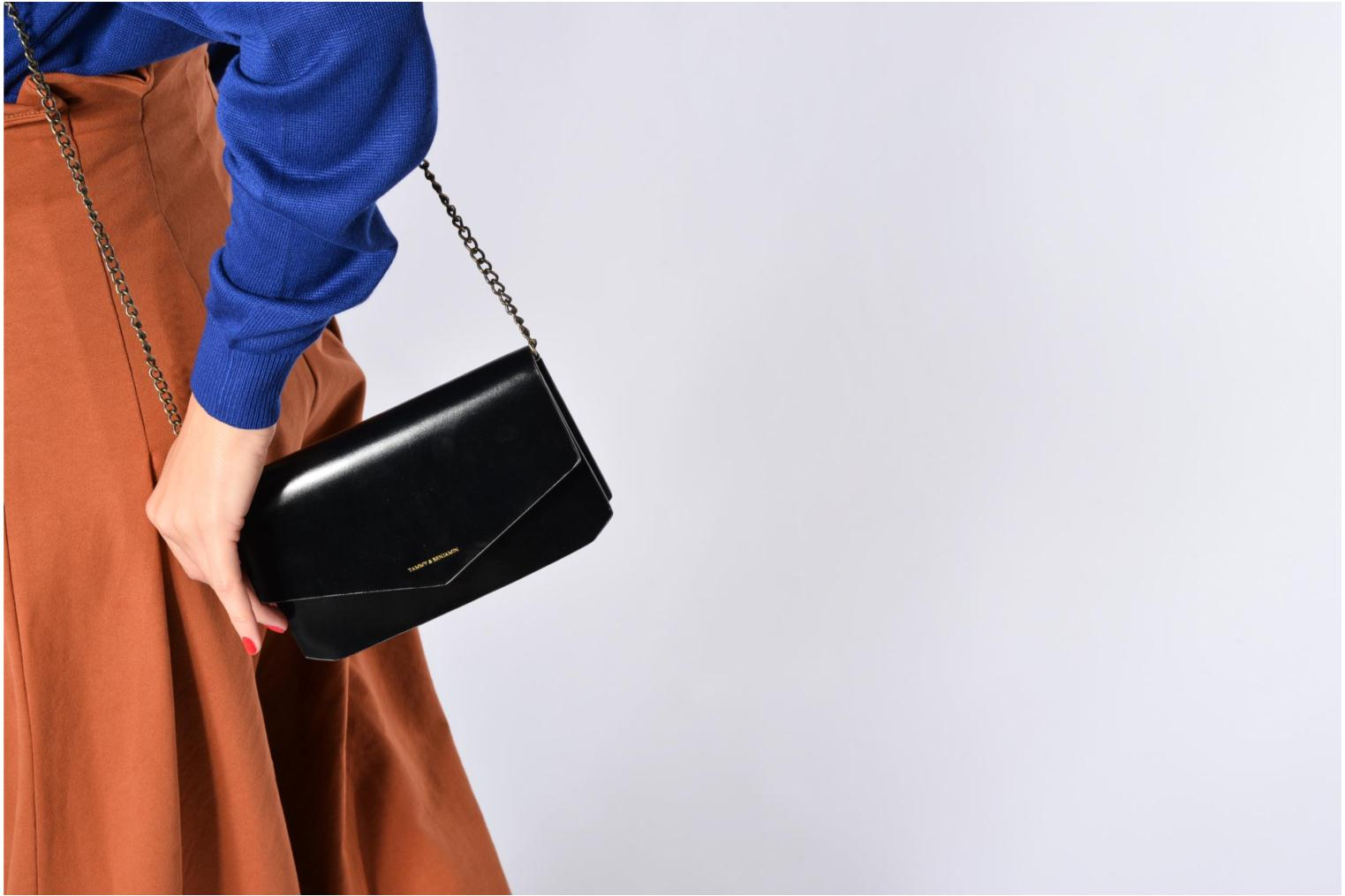 Clutch bags Tammy & Benjamin Pochette Chaine Ines Black view from above