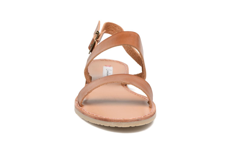 Sandales et nu-pieds Coolway Monda Marron vue portées chaussures