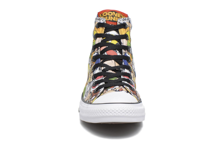 Baskets Converse Chuck Taylor All Star  Looney Tunes Hi Multicolore vue portées chaussures
