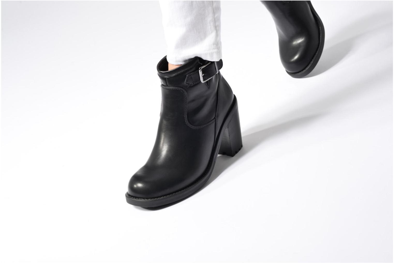Stiefeletten & Boots Chattawak Melissa schwarz ansicht von unten / tasche getragen