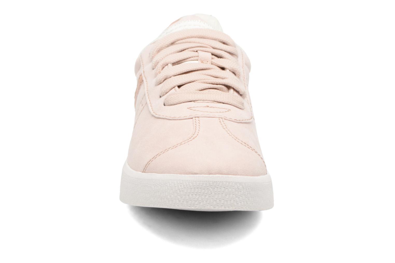 Sneakers Esprit Gweneth lou Beige modello indossato