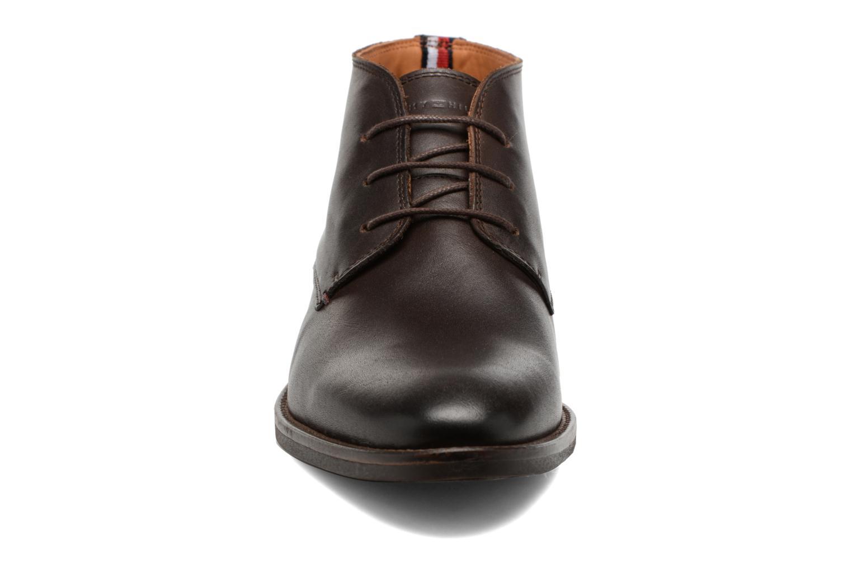 Chaussures à lacets Tommy Hilfiger Daytona 2A Marron vue portées chaussures