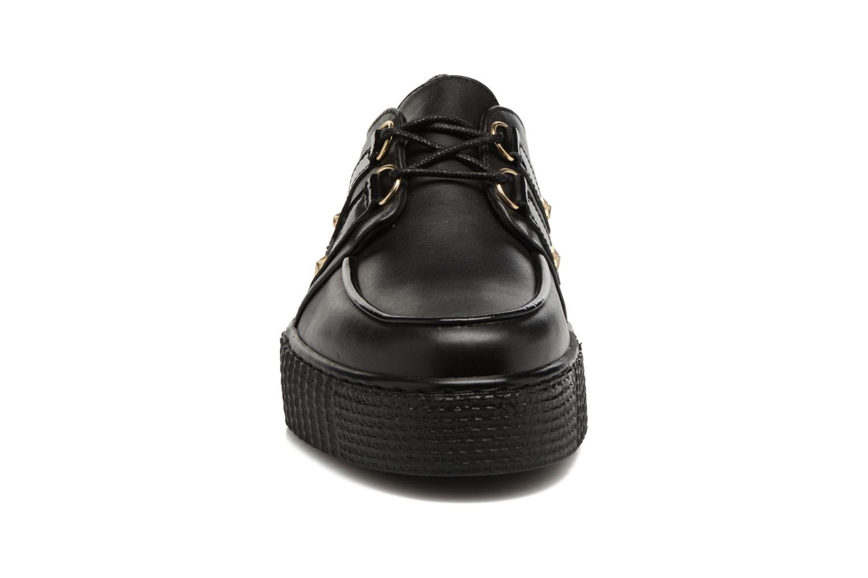 Schnürschuhe Tommy Hilfiger Gigi Hadid Creeper Shoe schwarz schuhe getragen