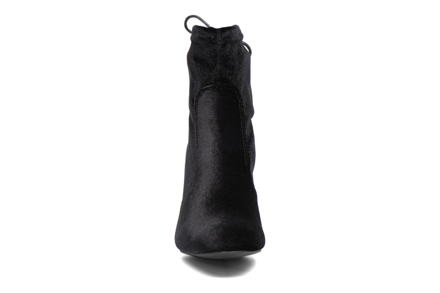 Ankle boots I Love Shoes THRESSY Black model view