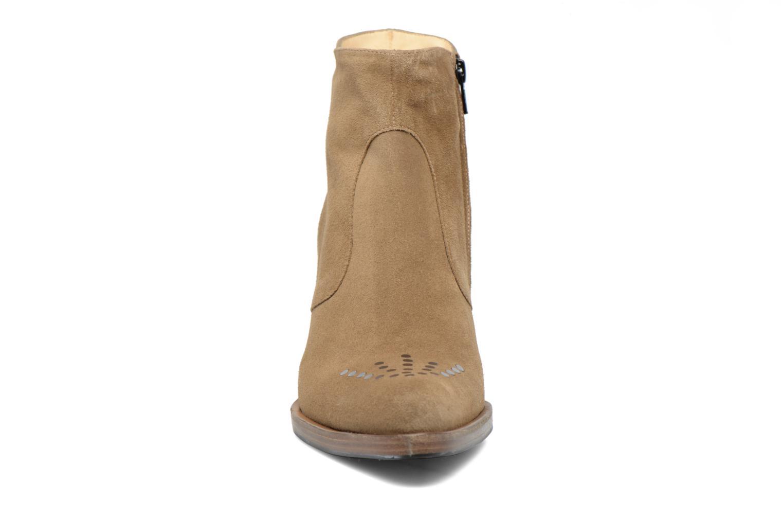 Bottines et boots Free Lance Paddy 7 Zip boot rivet Beige vue portées chaussures